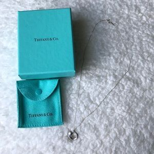 {Tiffany & Co} Elsa Perreti Eternal Circle